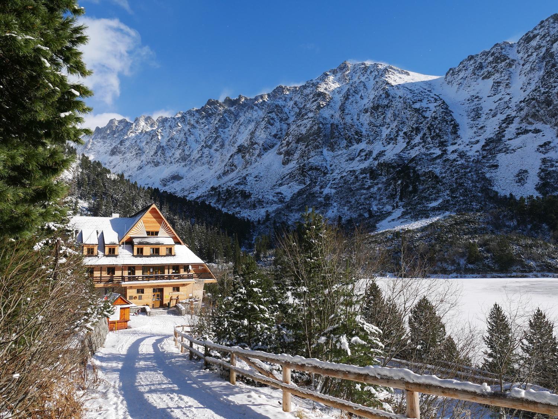 Napriek sezónnej uzávere vysokohorských chodníkov Vám Vysoké Tatry majú stále čo ponúknuť